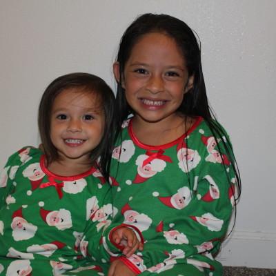 Sara's Prints Christmas Nightgown & Pajamas Review
