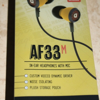 Audiofly AF33M In-Ear Headphones With Mic Review *2012 Holiday Gift Guide*