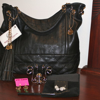 Little Black Bag *2012 Holiday Gift Guide*