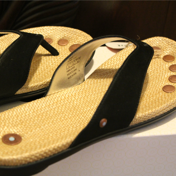juil gaia flip-flops