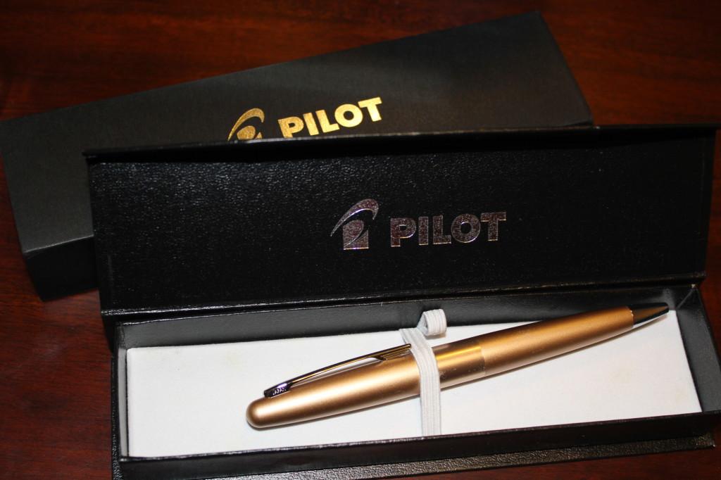 pilot gold pen