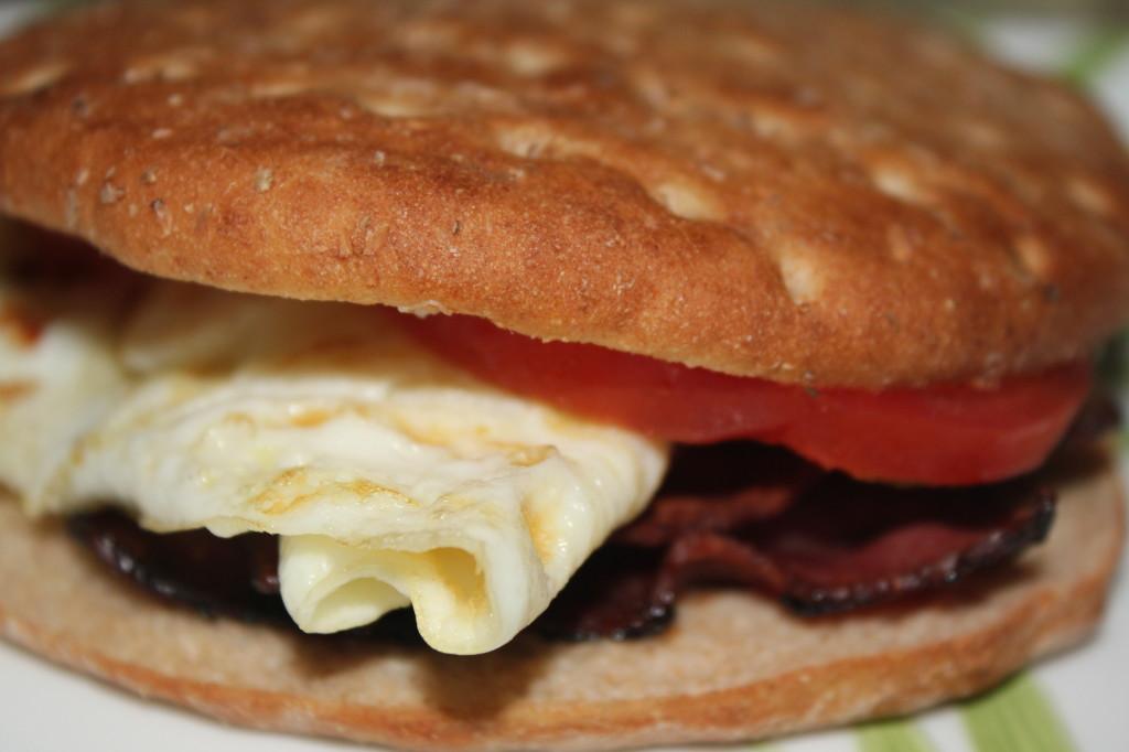 Tomato Mozzarella Egg White Omelet Skinnytaste | Party Invitations ...