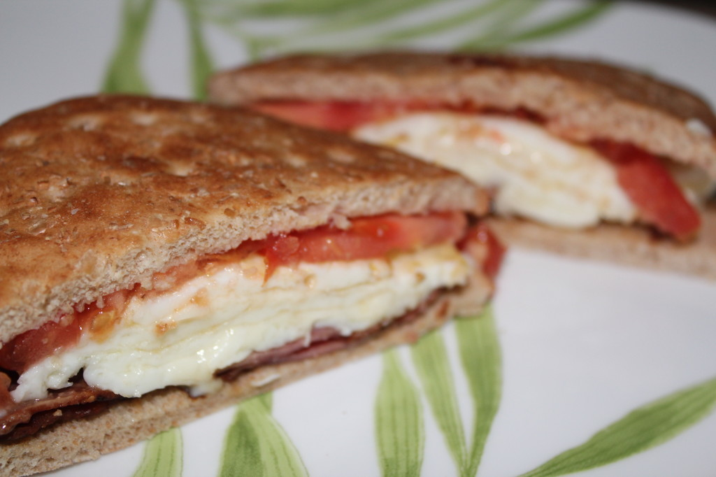 turkey bacon, tomato, egg white mozarella sandwich thins sandwich