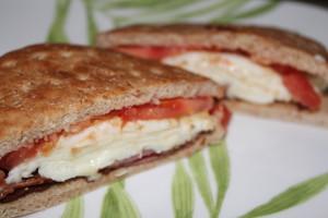 turkey bacon, tomato, egg white mozarella sandwich thins sandwich