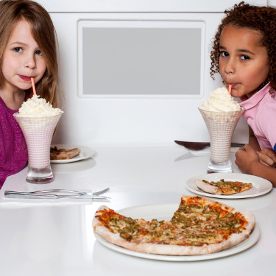 7 Tips on Eating Out with Children