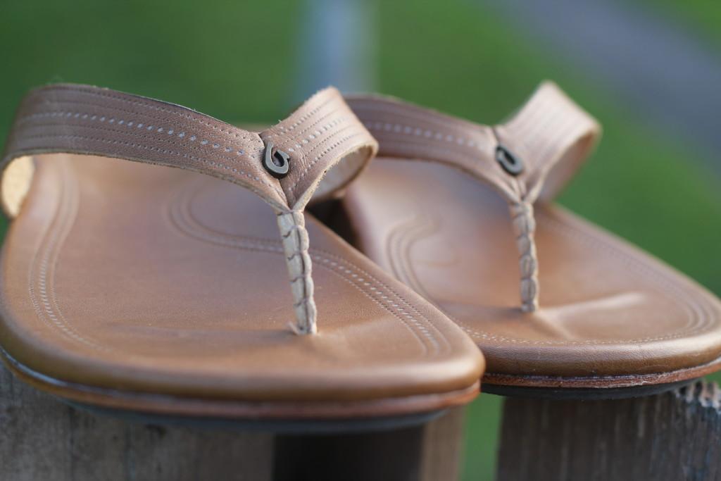 OluKai Wana Leather Sandals Slippers Flip-Flops