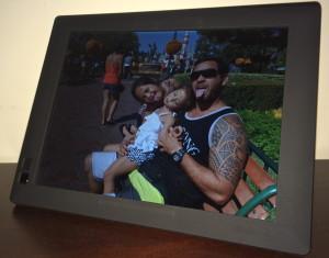 nixplay digital photo frame display photos