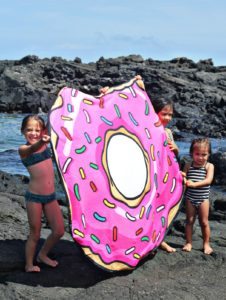 giant-donut-beach-towel